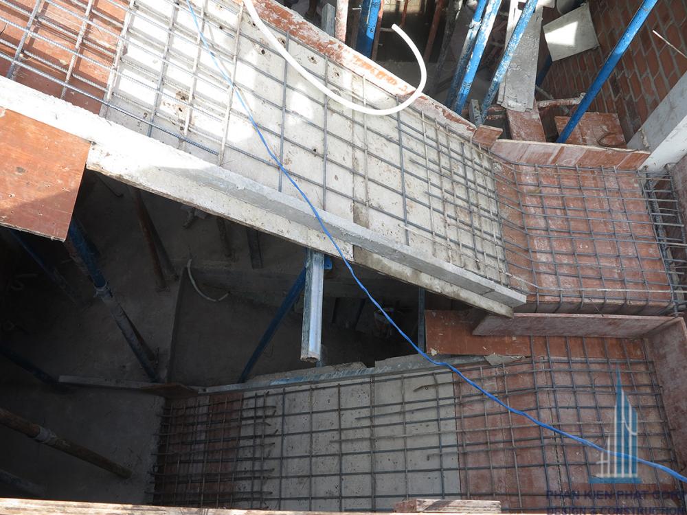 Cầu thang nối tầng 2 và tầng 3 trước khi đổ bê tông