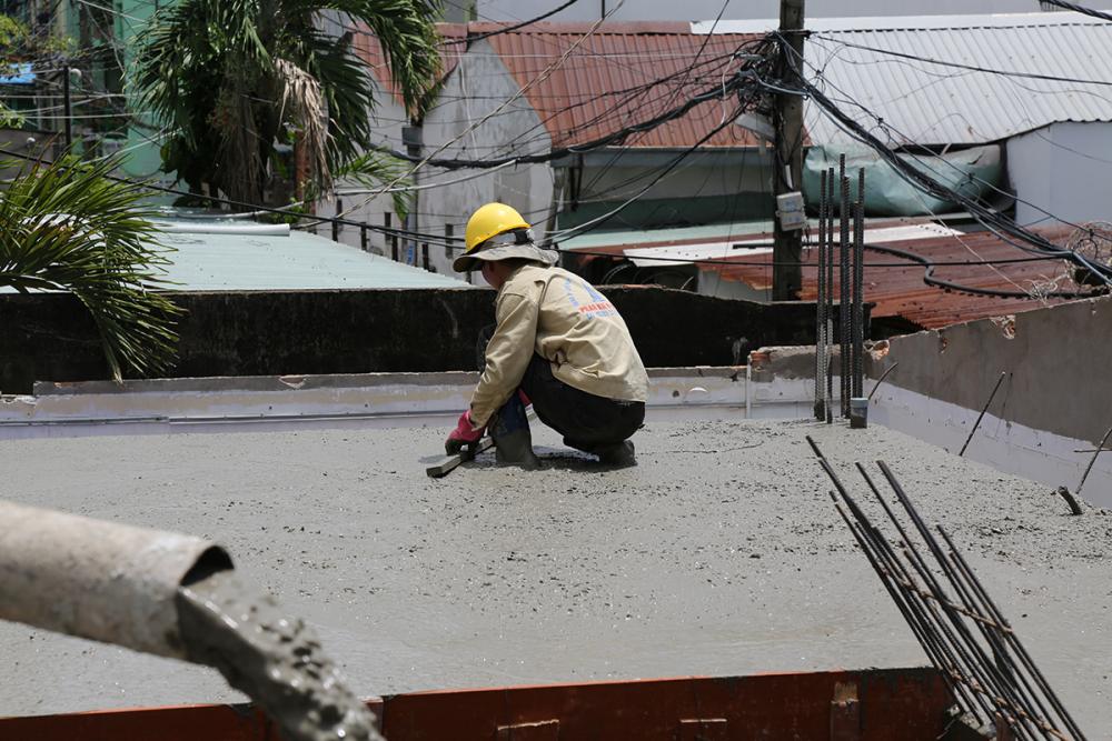Làm láng bề mặt bê tông view 1